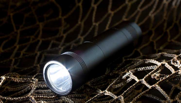 Best Tactical Flashlights For The Money 2016 – 2017 Reviews